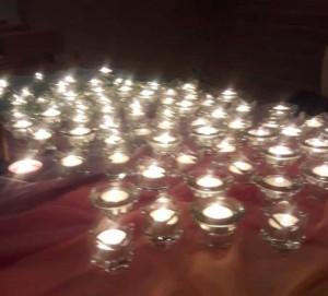 Eine Kerze für jeden Verstorbenen wurde beim Gedenkgottesdienst entzündet